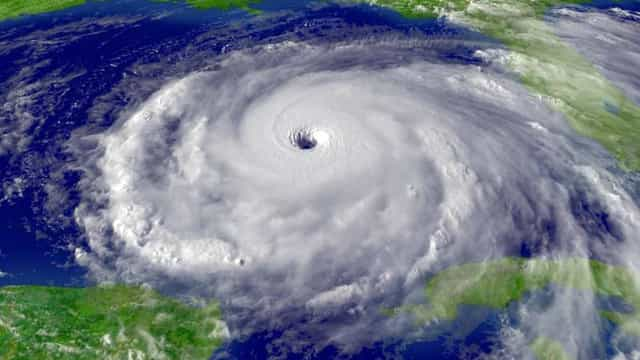 Imagens impressionantes de tempestades vistas do Espaço