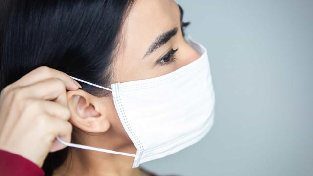 Aprenda a fazer a sua máscara de tecido em casa e a usá-la corretamente
