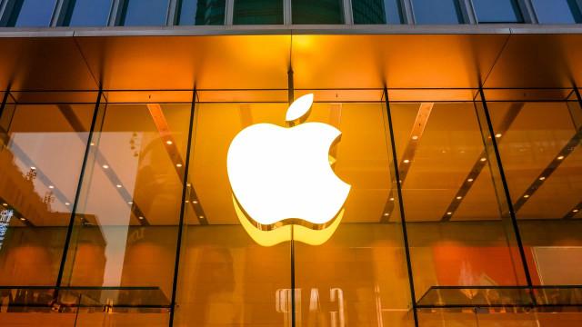 Apple pode lançar dois celulares dobráveis em 2023
