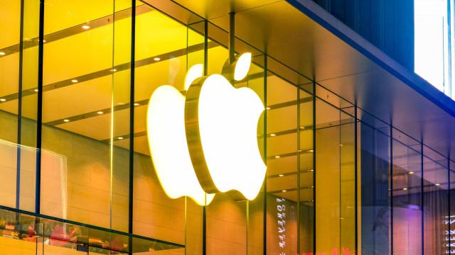Apple tem alta no lucro líquido a US$ 21,744 bi no trimestre e supera previsão