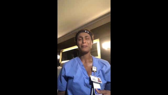 """""""Cansada de entrar em quartos e ver pacientes mortos"""", diz enfermeira"""