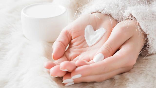 Cinco razões para adicionar a vaselina à sua rotina de beleza