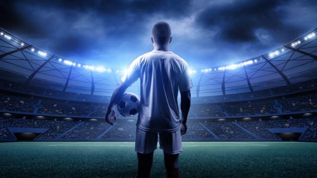 Ministro da Itália anuncia retorno do futebol nos próximos dias