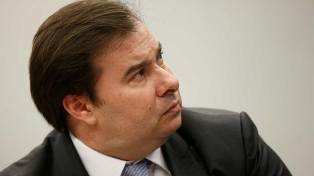 Rodrigo Maia testa positivo para covid-19