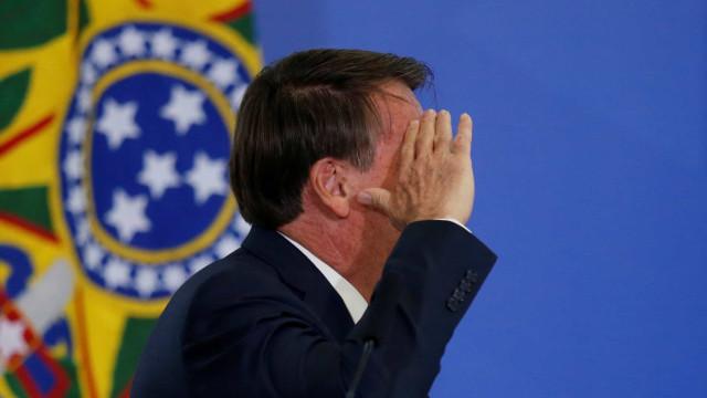 Bolsonaro diz que pede a Deus 'para não ter problemas esta semana'