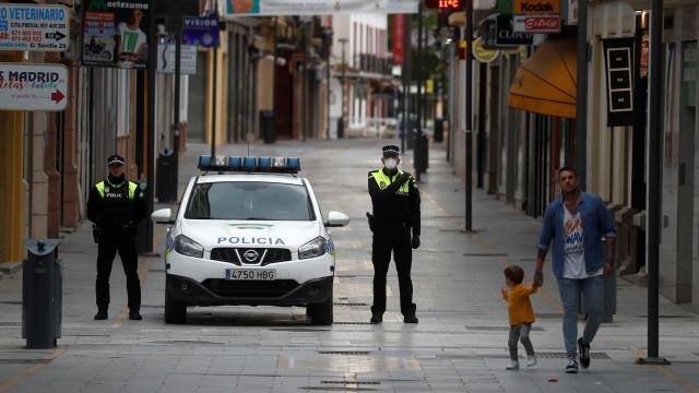 Mais multas em Madrid em três dias do que em semanas de confinamento