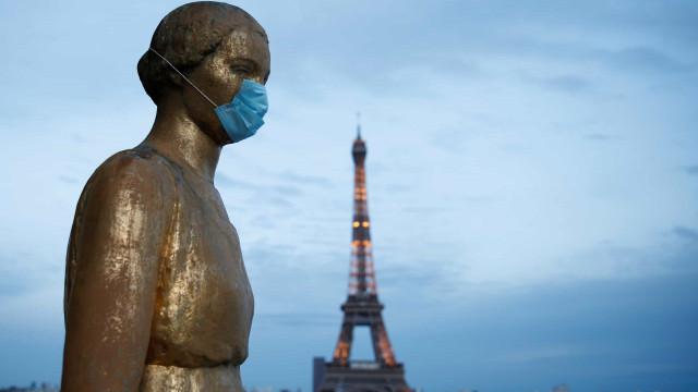 Pandemia implode sistema de testes, e Alemanha e França retornam ao lockdown
