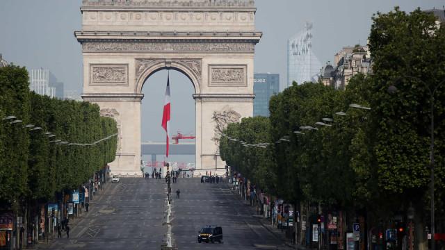 Covid-19: regiões de Paris manterão monitoramento após reabertura