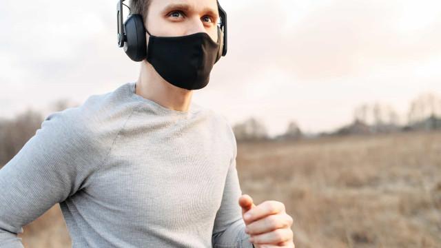 Pensa em utilizar máscara para fazer exercício? Saiba o que esperar