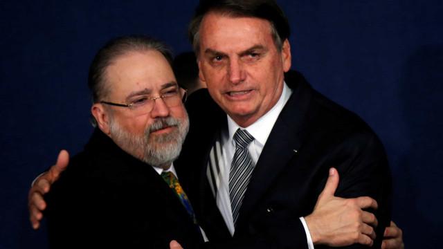 Aras defende depoimento por escrito de Bolsonaro
