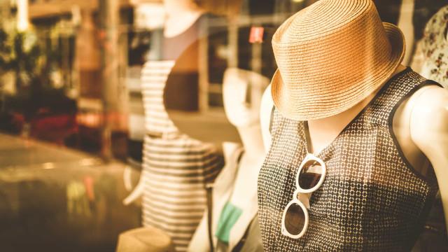 Vendas do varejo caem 2,5% em março ante fevereiro, afirma IBGE