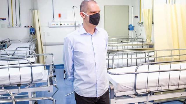 """Covas: """"sensacionalismo barato"""" tumulto em hospital"""