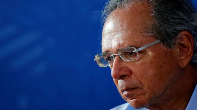 'Quem me conhece sabe que eu sou duro na queda', diz Guedes