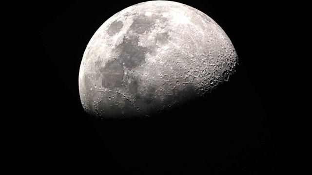 NASA revela planos para levar a primeira mulher à Lua