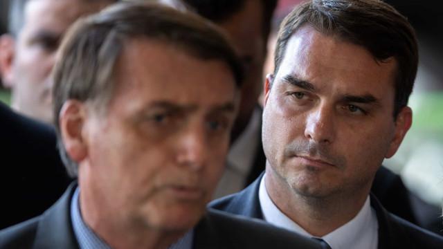 Bolsonaro envolve Abin e GSI em reunião com defesa de Flávio sobre 'rachadinha'