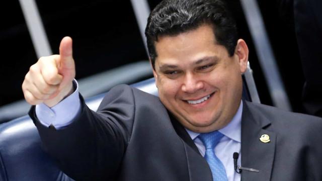 MDB negocia acordo com Alcolumbre e pode abandonar Tebet na eleição do Senado