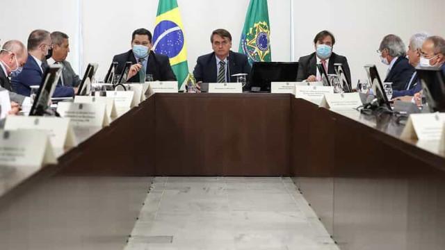 Ministros militares agora negociam com o Centrão