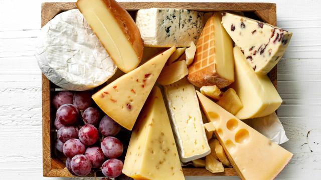 Conheça os quatro tipos de queijo mais saudáveis, para comer sem culpa