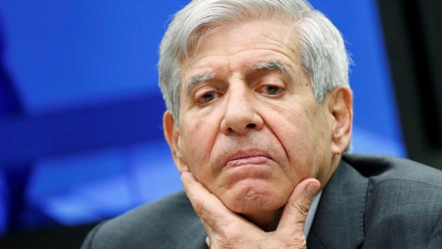 General Heleno diz que militares 'não vão dar golpe' ou intervir