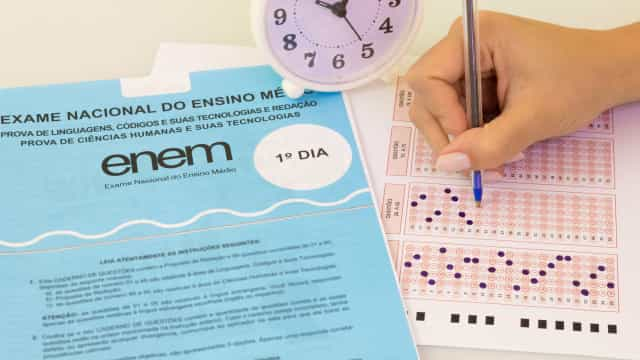 Estudantes começam a fazer as provas do Enem em todo o Brasil