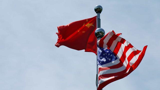 China exige que EUA retirem sanções a fornecedores de tecnologia