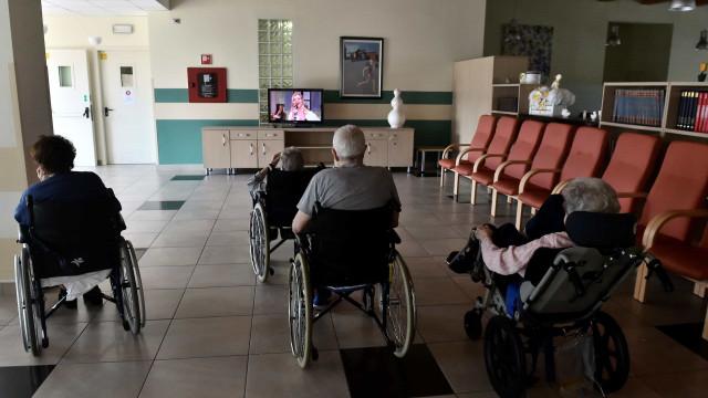 Enfermeiro suspeito de matar oito idosos é detido na Itália
