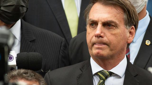Bolsonaro: lamentável PF entrar em casa às 7h e fazer busca e apreensão