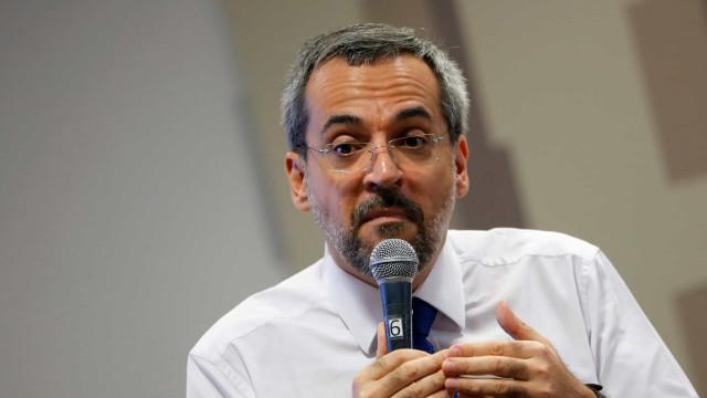 Cônsul de Israel repudia declaração de Weintraub sobre Holocausto