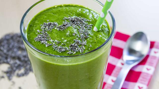 Sofre de ansiedade? Experimente este suco verde com sementes de chia