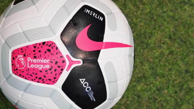 Clubes da Premier League decidem retomar treinos com contato físico