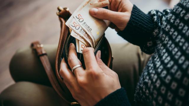 Estudo confirma: O dinheiro pode mesmo comprar a felicidade