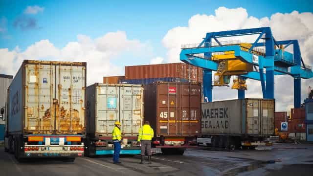 Coronavírus derruba comércio internacional do Brasil em abril