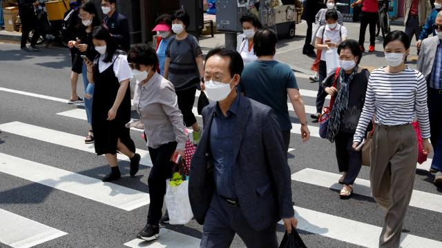 Covid-19: Coreia do Sul reativa medidas restritivas após novos casos