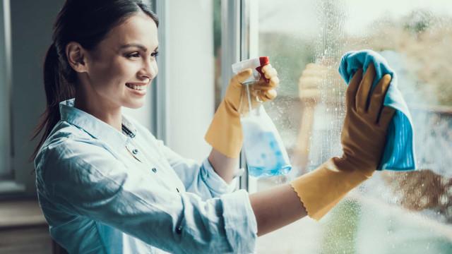 Limpe as janelas sujas com esta receita caseira