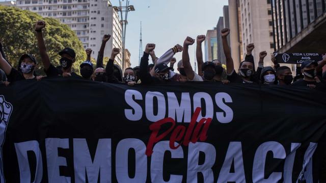 Manifestos pró-democracia ganham força e unem rivais