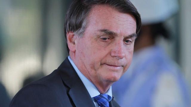 Protestos: 'deixa eles sozinhos domingo', diz Bolsonaro a apoiadores