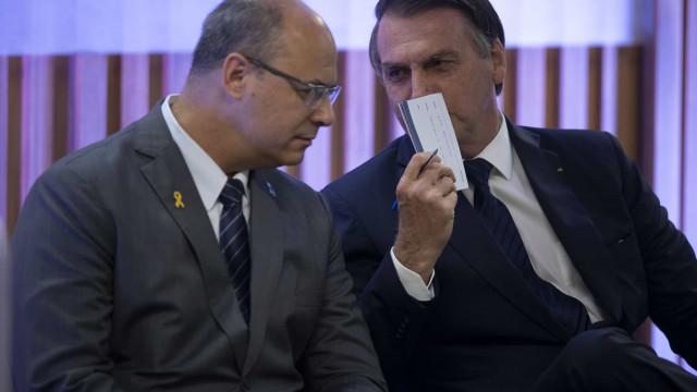 Bolsonaro diz que não vai conversar com Witzel e ironiza governador
