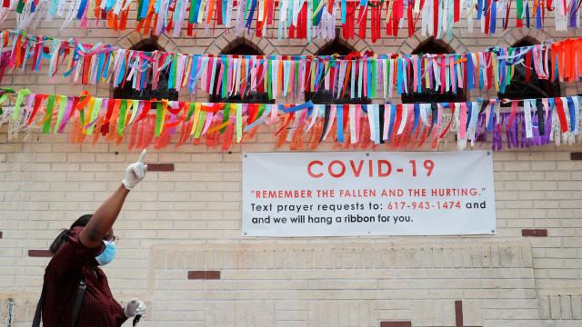 Covid já ultrapassou os 380 mil mortos e infectou mais de 6,4 milhões