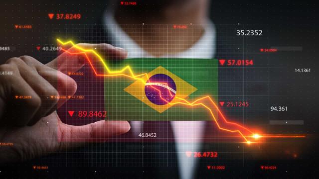 Pedidos de falência no Brasil sobem 30% em maio ante abril