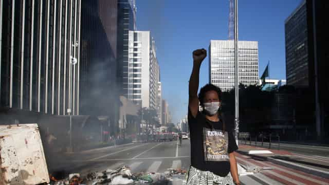 Partidos de oposição pedem para adiar ida às ruas contra Bolsonaro