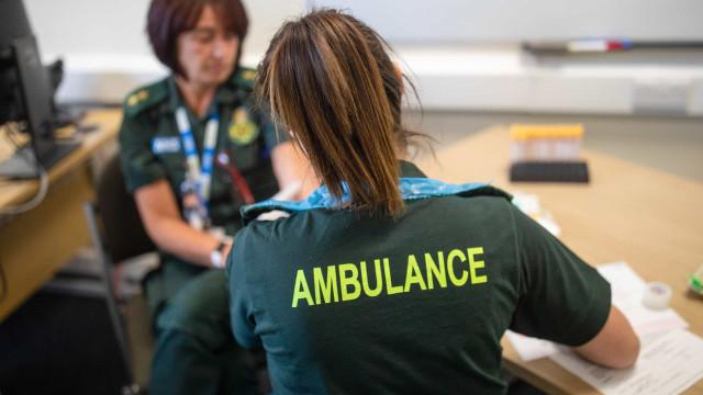 Reino Unido reporta mais 204 mortes e 1.557 novos casos de infecção