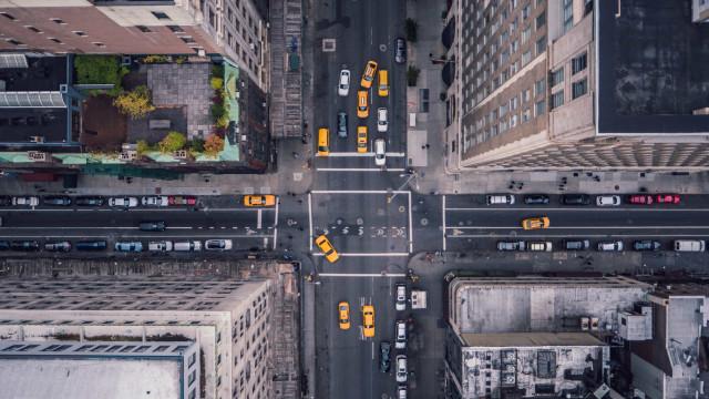 Nova York inicia reabertura conforme taxa de infecção do coronavírus