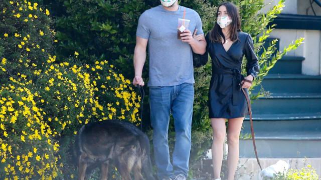 Ben Affleck e Ana de Armas vão de férias com os filhos do ator