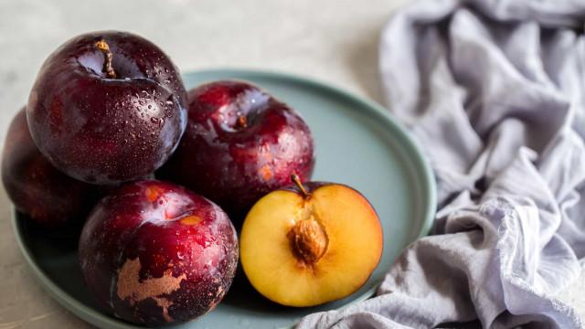 Frutas e legumes que deve (sempre) comer com a pele