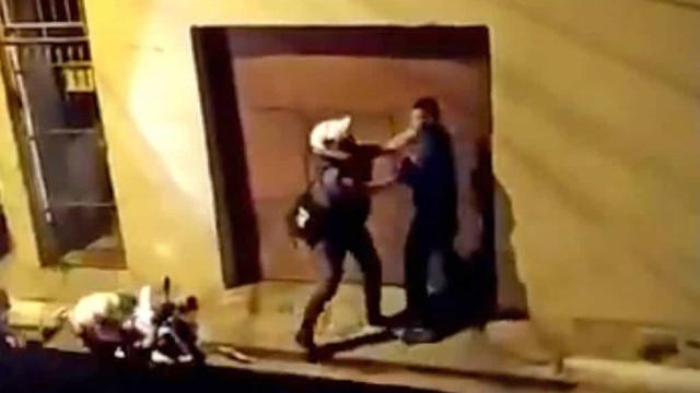 Vídeos mostram agressões de PMs após manifestação contra morte de jovem