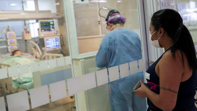 Média móvel de casos da covid-19 se mantém alta em setembro