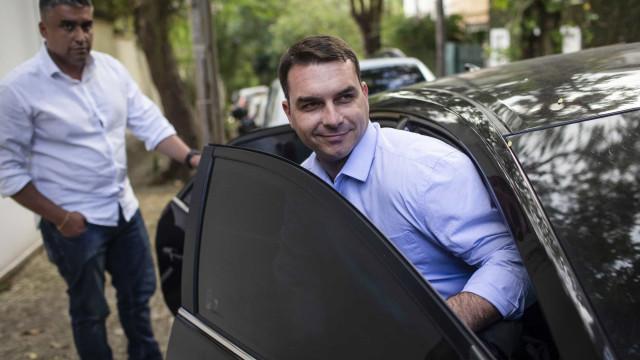 Flávio presta depoimento ao MP no Rio no inquérito da 'rachadinha'