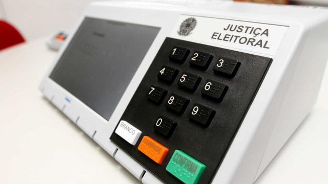 TSE vai comprar 180 mil urnas para eleições de 2022