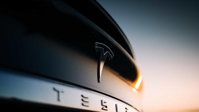 Tesla planeja começar a produzir carregadores