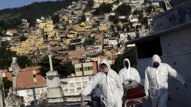 Brasil passa de 60 mil mortes e 1,4 milhão de casos de covid-19